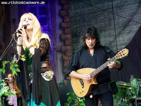 http://ritchieblackmore.de/gallery/cache/vs_2006_bn-2006-0016-jpg.jpg